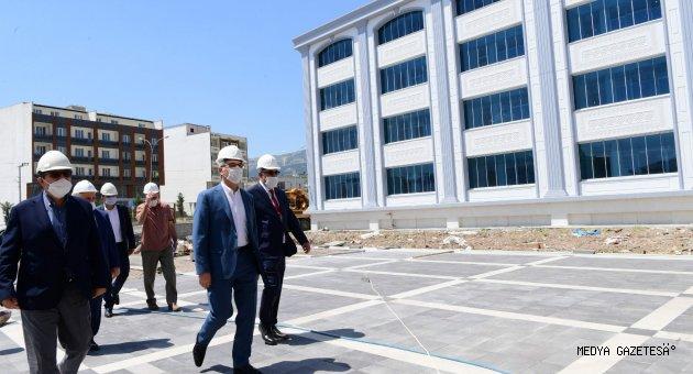 Başkan Güngör Kuyumcukent'te incelemelerde bulundu