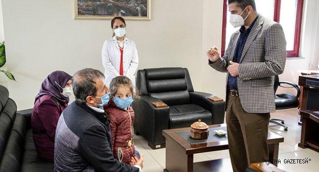 Doğuştan İşitme Engelli 5 Yaşındaki Ayşe, KSÜ Tıp Fakültesi Hastanesinde Gerçekleştirilen 'Koklear İmplant' Ameliyatıyla Duymaya ve Konuşmaya Başladı