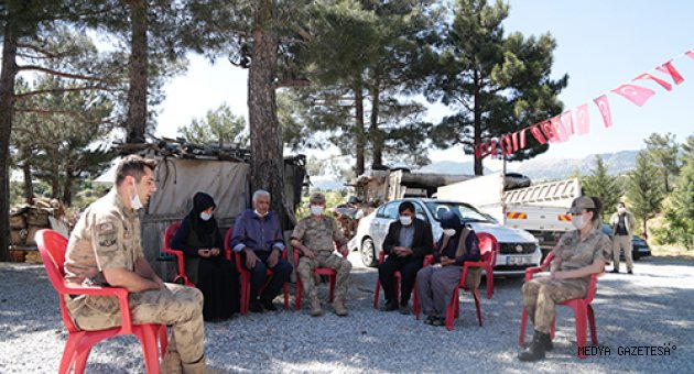 Kahramanmaraş Jandarma Komutanından şehit uzman onbaşının ailesine ziyaret