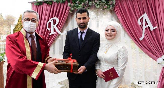 Kahramanmaraş'ta Dört dörtlük nikah