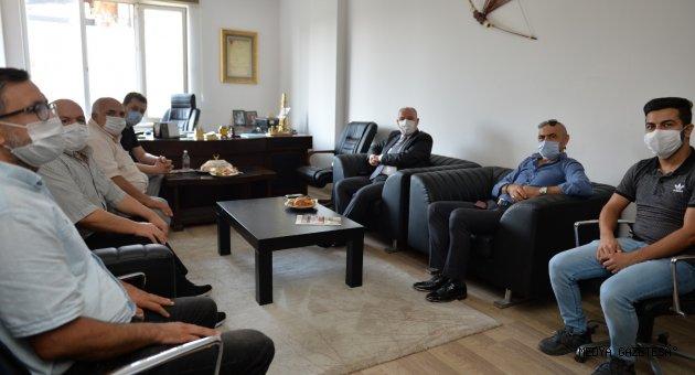 Kahramanmaraş Valisi Ömer Faruk Coşkun  Küresel Gazeteciler Konseyi il temsilciliğini ziyaret etti.