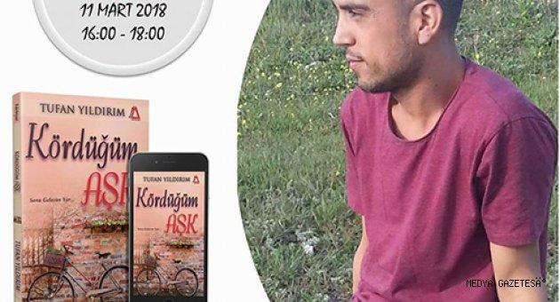 TUFAN YILDIRIM İSTANUL'DA KİTAPLARINI İMZALADI