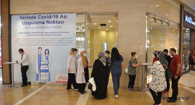 Kahramanmaraş'ta alışveriş merkezinde aşı yapılmaya başlandı