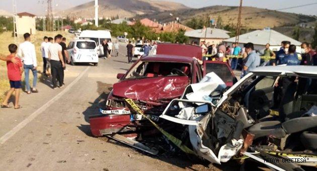 Kahramanmaraş'ta iki otomobil çarpıştı: 1 ölü, 6 yaralı