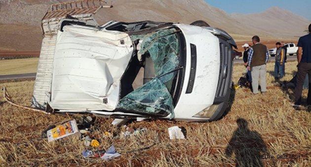 Kahramanmaraş'ta lastiği patlayan kamyonet devrildi: 5 yaralı
