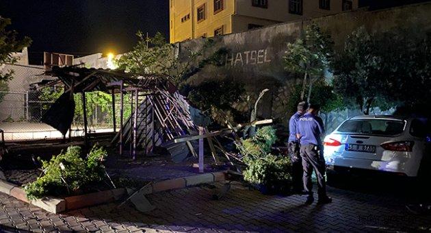 Kahramanmaraş'ta şiddetli rüzgar nedeniyle öğrenci yurdunun çatısı uçtu