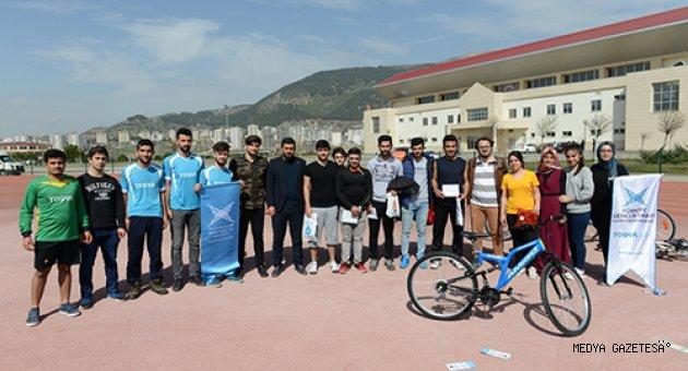 """KSÜ'lü Gençler, Sağlıklı Yaşam İçin """"Görev Bende"""" Dedi"""