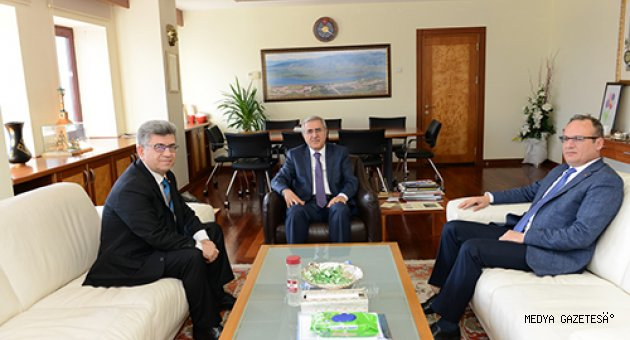 MHP Genel Başkan Yardımcısı Aycan, Rektör Can'ı Ziyaret Etti
