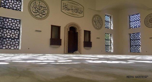 Milli İrade Meydanındaki Cami İbadete Açılıyor