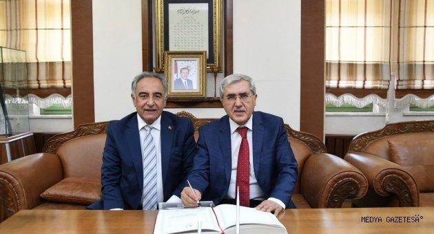 Üniversitemiz Rektörü Can, ADYÜ Rektörü Turgut'a 'Hayırlı Olsun' Ziyareti Gerçekleştirdi